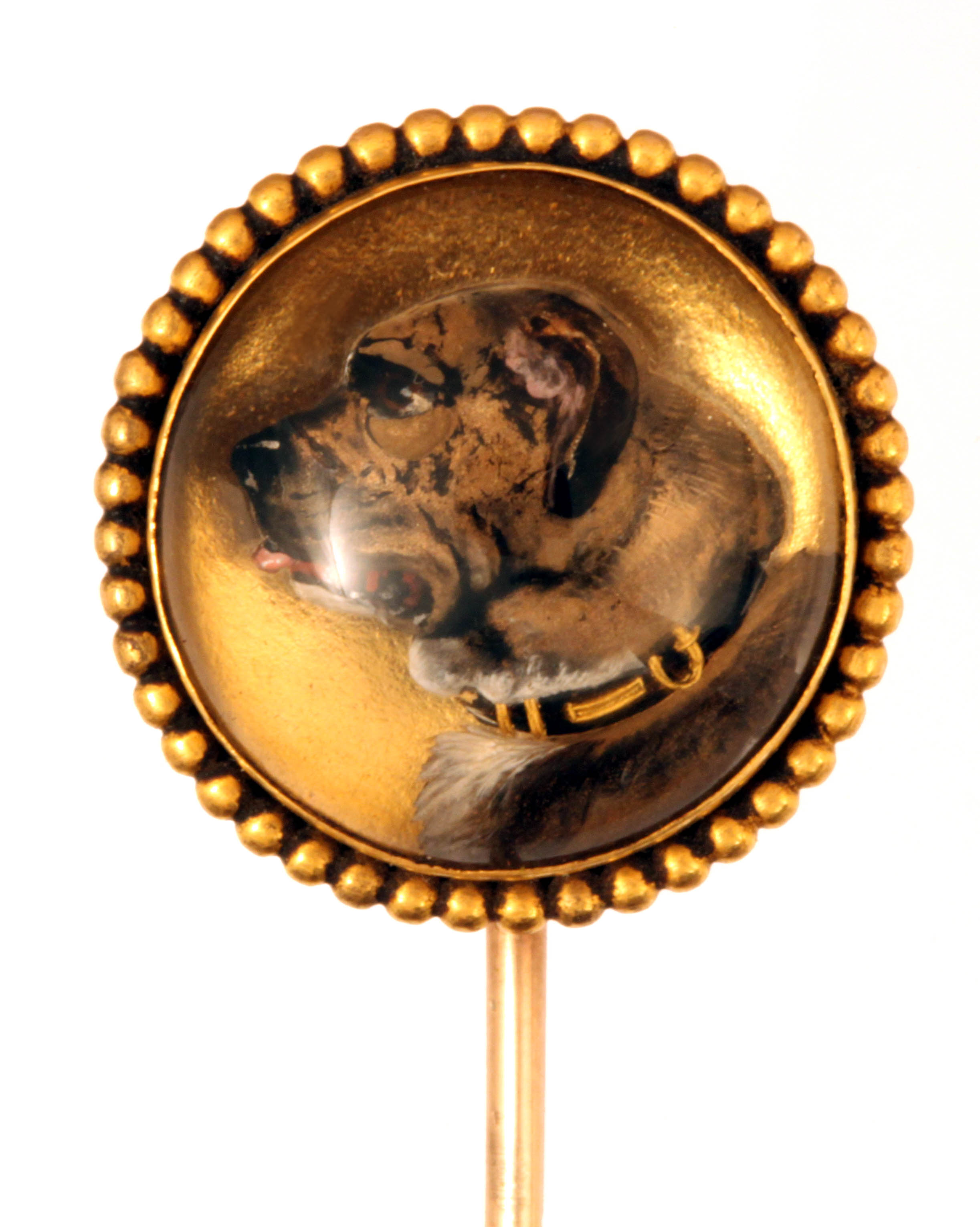 Click to see full size: Gold set reverse intaglio crystal pin of a Mastiff