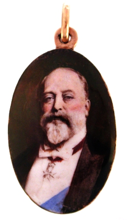 Click to see full size: Enamel pendant of Edward VII on 9 carat gold