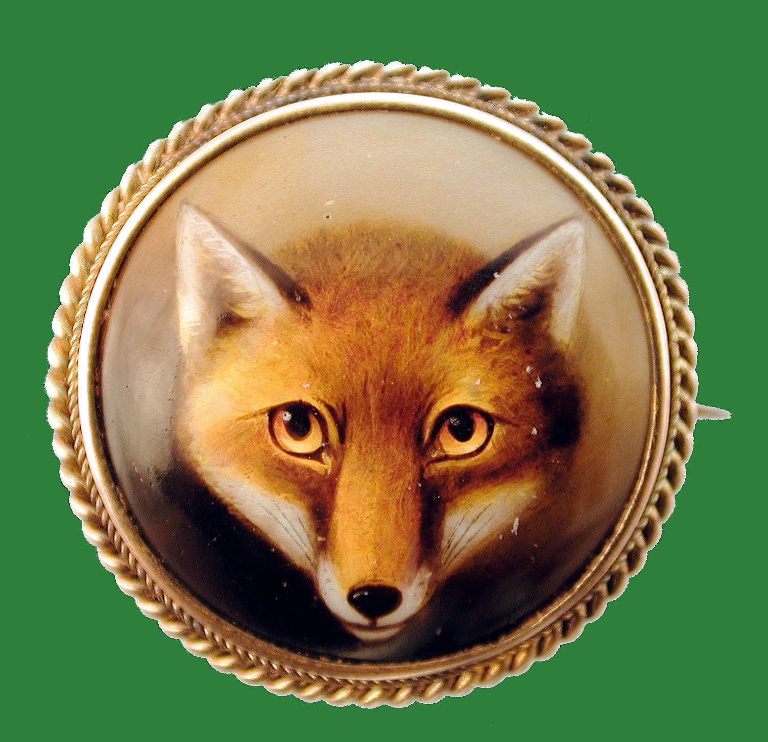 Click to see full size: Enamel fox?s head brooch.