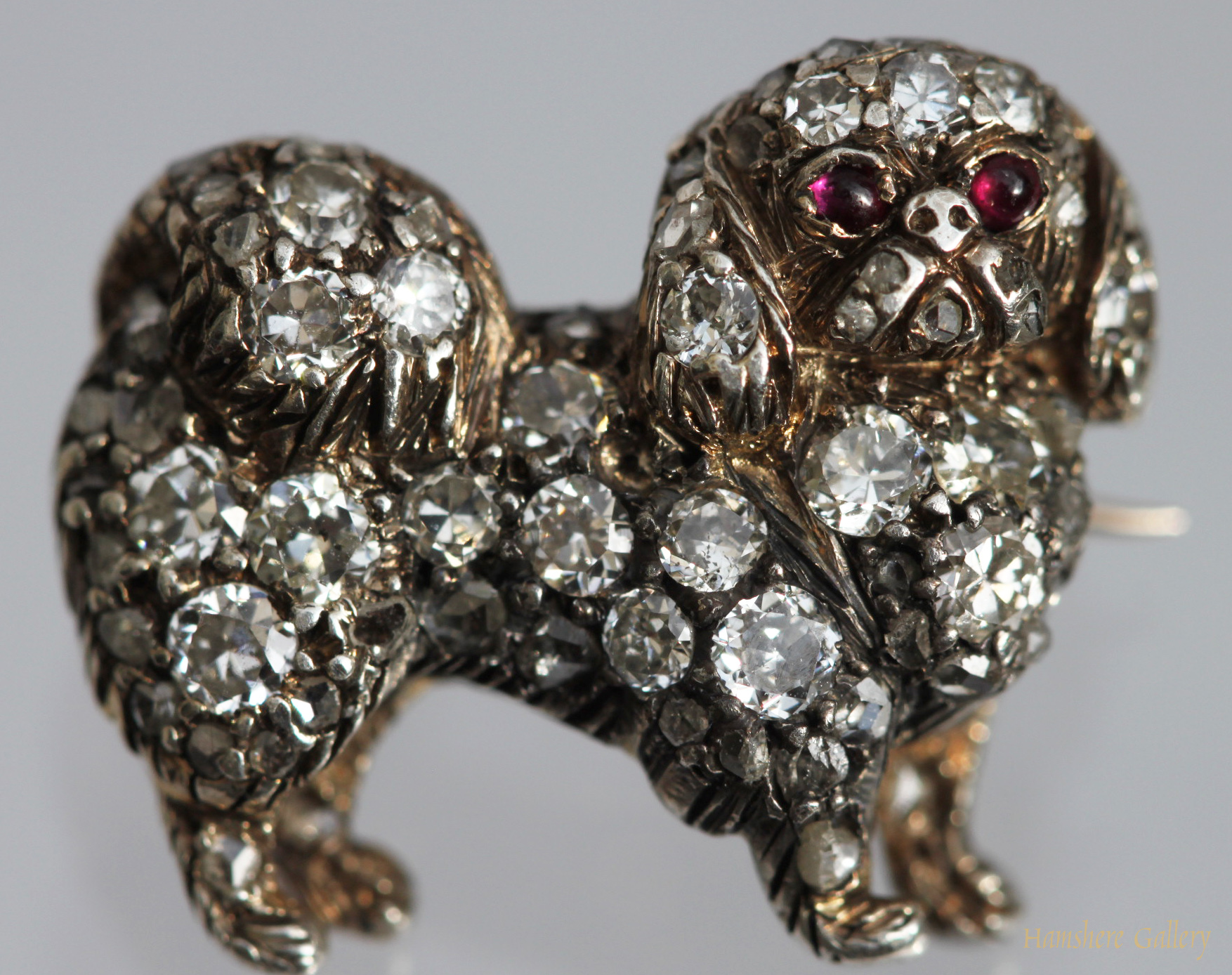 Click to see full size: Victorian diamond Pekingese brooch