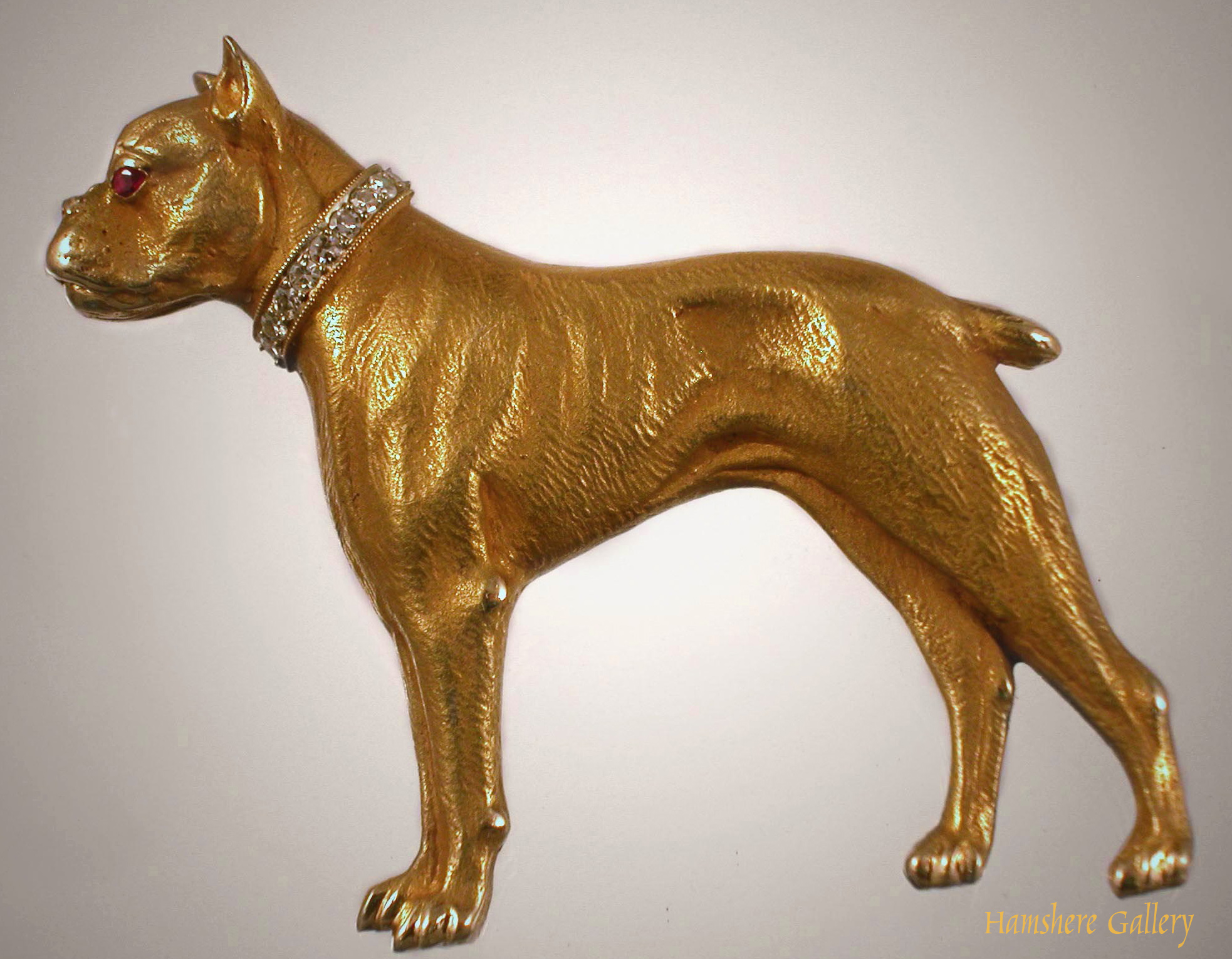 Click to see full size: Boxer in gold with diamond collar- Boxer in gold with diamond collar