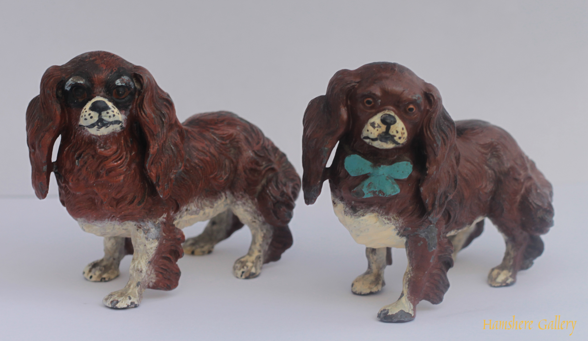 Click for larger image: pair King Charles Cavalier Spaniel cold painted models - pair King Charles Cavalier Spaniel cold painted models