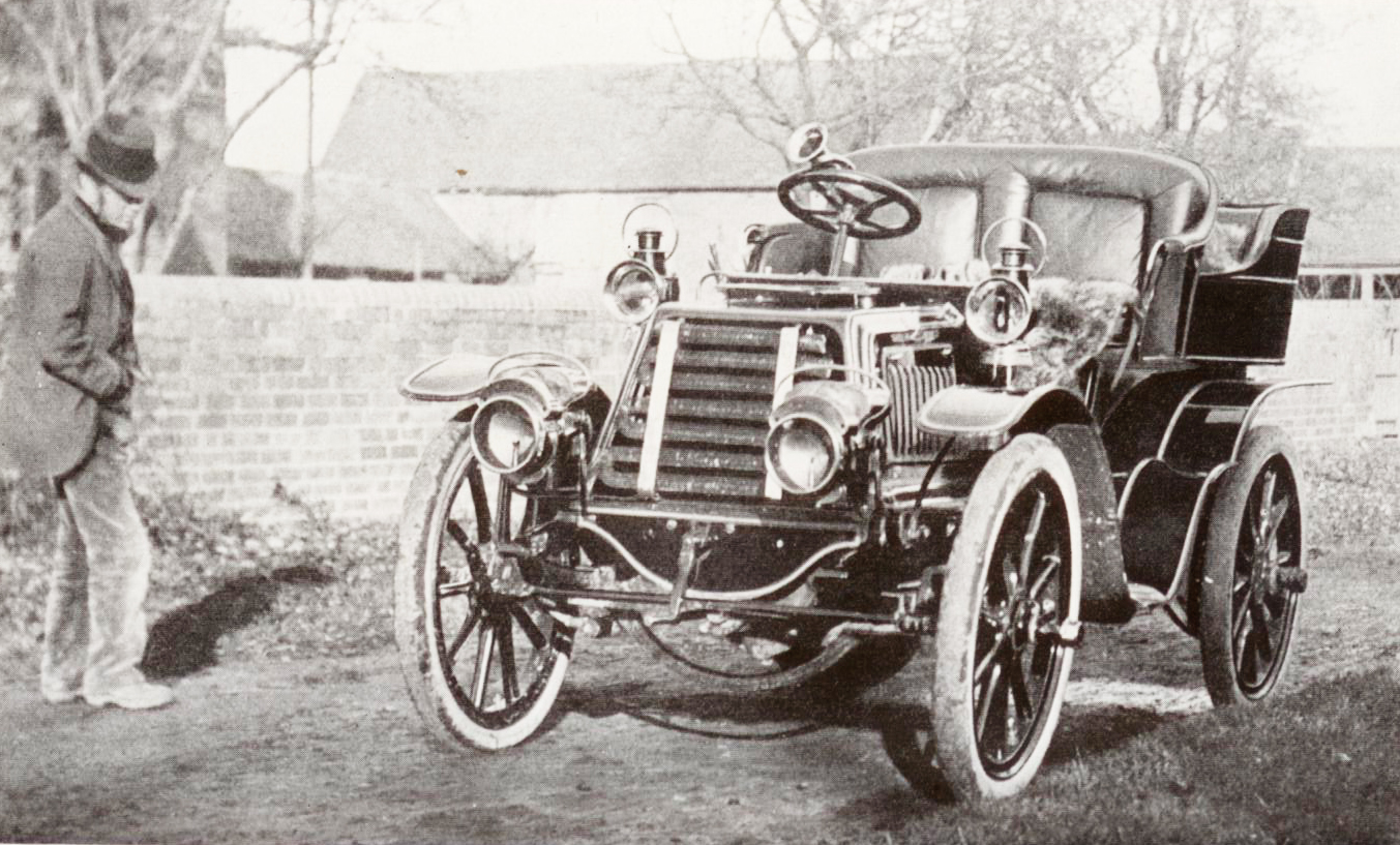 Click to see full size: Antique Car featured in the Intaglio- Antique Car featured in the Intaglio