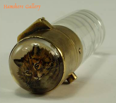 Click for larger image: A silver gilt Schafer perfume bottle / flacon with a reverse intaglio cat crystal - A silver gilt Schafer perfume bottle / flacon with a reverse intaglio cat crystal