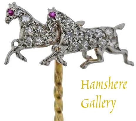 Click to see full size: A very fine diamond platinum set pair of horse attributable to Gustave Manz (German / American 1865-1946)- A very fine diamond platinum set pair of horse attributable to Gustave Manz (German / American 1865-1946)