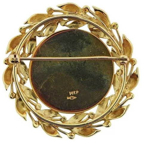 Click to see full size: Victorian reverse intaglio carriage / coaching / four-in-hand diamond and gold laurel leaf set crystal brooch- Victorian reverse intaglio carriage / coaching / four-in-hand diamond and gold laurel leaf set crystal brooch